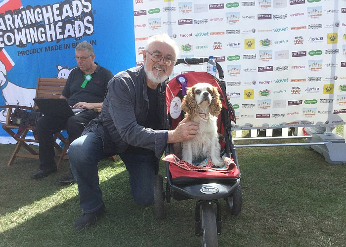 BB Deputy Editor, Gizmo, with Peter Egan